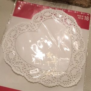 Other - Pack of  party paper doilies